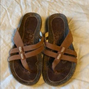 Tera leather and cork flip flops size 8